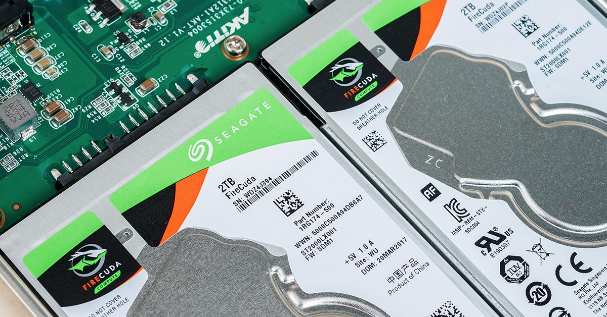 想讓你的硬碟讀寫速度突破天際嗎?那就多弄幾顆組成 RAID 陣列吧~