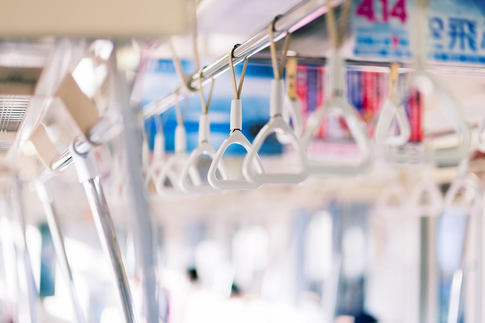 潔癖還是注重衛生?日本推出個人電車吊環保潔套
